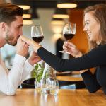 既婚者にデート誘われた!彼の心理と本音を徹底解説