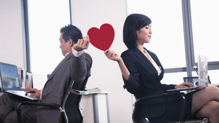 既婚者の思わせぶりな態度の意味とは?落とし方のテクニックも紹介