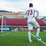 サッカー選手との出会い方や付き合う方法!